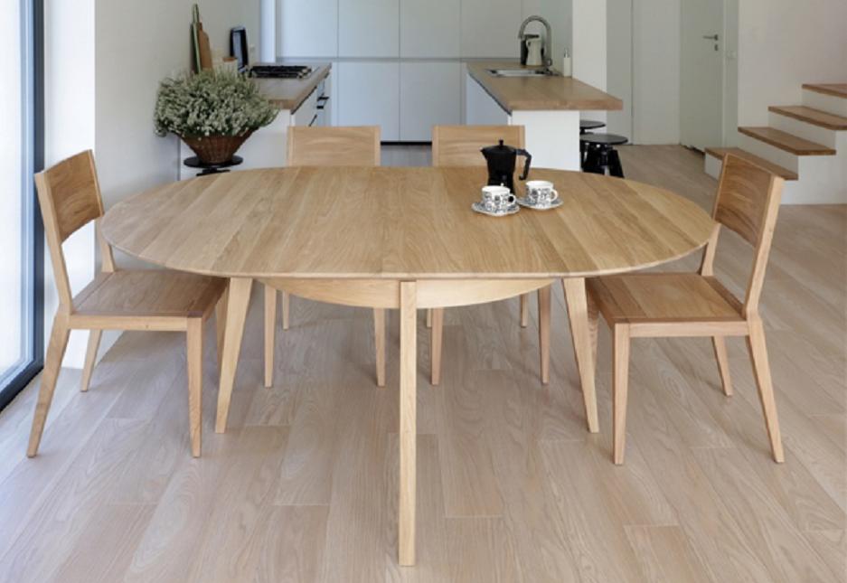 jak ustawić krzesła przy stole