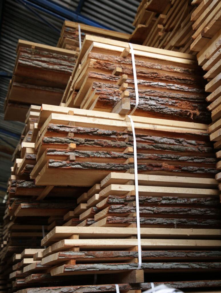 Sezonowanie drewna dębowego