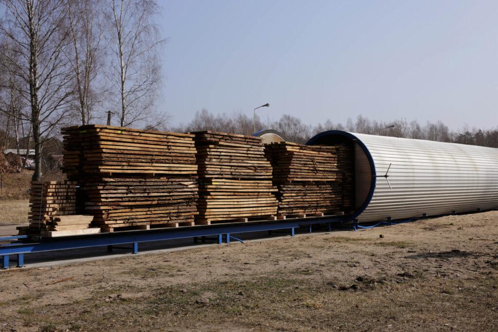 Próżniowe suszenie drewna